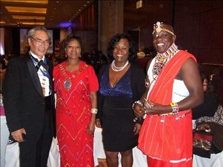 ガラディナで2015年総会開催地ケニア代表の皆さんと一緒に