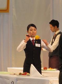 4. 銀賞を受賞した大竹さん  予選課題に取り組む様子