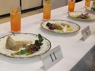 決勝で大竹さんと吉昌さんが作成したサラダグルマンディーズ