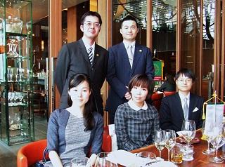 記念写真 森本美幸さん(2007年卒業)