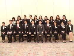 日本ホテルスクールを案内する在校生「スクールナビゲーター」