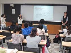就職内定者講話を受講する生徒たち