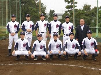 ユニフォーム姿の野球部の集合写真
