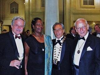 ホテル・メリア・デル・ソルでのガラディナ(晩餐会)<br>ドイツ、ガーナ、アメリカからの出席者と共に