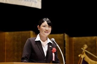 日本語部門 優秀賞 夜間部ブライダル科 2年 鈴木 千佳さん