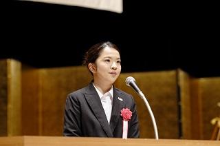 日本語部門 最優秀賞 夜間部ホテル科 2年 渡邊 里佳さん