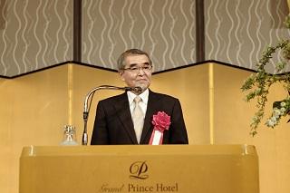 一般社団法人日本ホテル協会 専務理事 宮武茂典様より祝辞<br>「2020年の東京五輪・パラリンピックは日本の魅力を知ってもらう絶好の機会です。皆さんには、業界で活躍する一員として、日本の観光業界にとって不可欠な人材になって欲しい。最前線での活躍を期待しています」