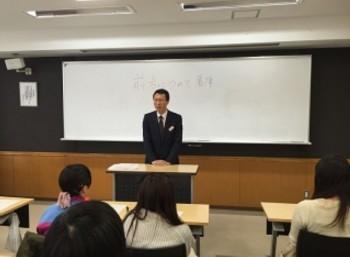 参加者に激励のメッセージを贈る川上副校長