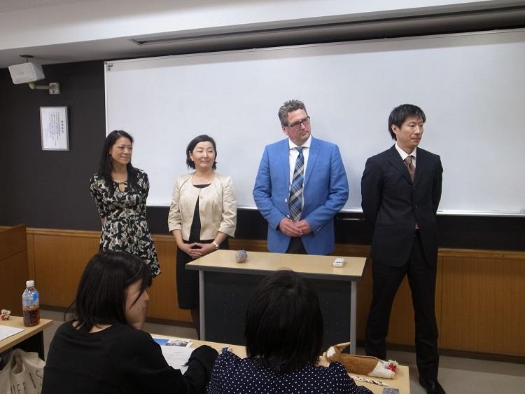 現地留学担当の先生方<br> 左よりAi Lin先生(豪)、Ryoko先生(豪)、Mark先生(加)、Hiroshi先生(加)