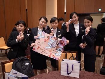 グループワークを終えて笑顔を見せる学生