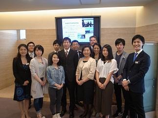 カナダ・バンクーバー、オーストラリア・メルボルン両校の先生方、留学経験の在校生と日本ホテルスクール留学担当者職員