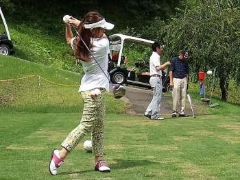 女性唯一の参加者 花澤 彩さんの始球式