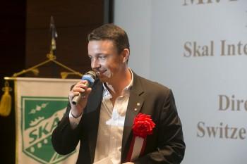 来賓スピーチをするFabien Clerc氏(Director, Skal Club of Tokyo, Switzerland Tourism)