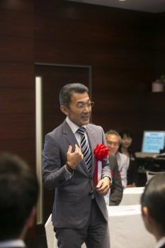 来賓スピーチをするVictor Osumi氏(Sergeant-at-Arms, Skal Club of Tokyo, General Manager, Seibu Holdings Inc.)