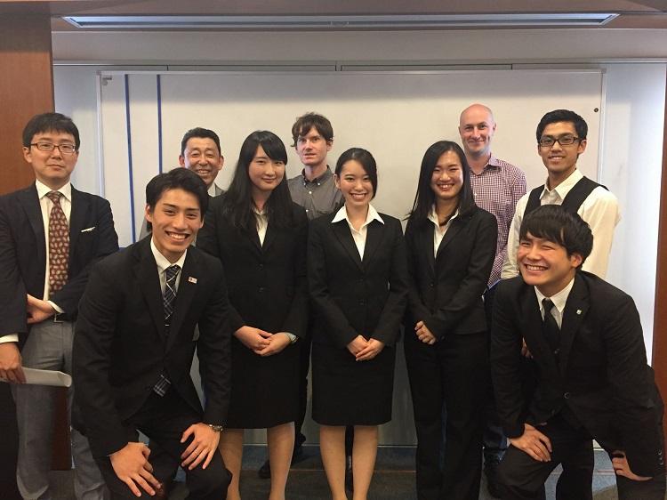 英語部門参加者と審査員の教職員(1)