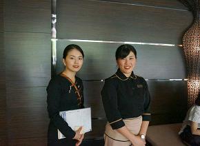 西角 美理さん(左)、露木 理沙さん(右)