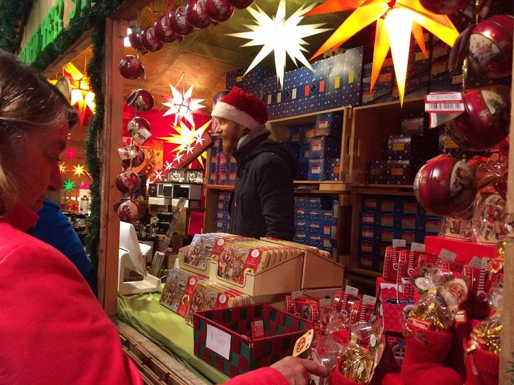 クリスマスマーケットの様子