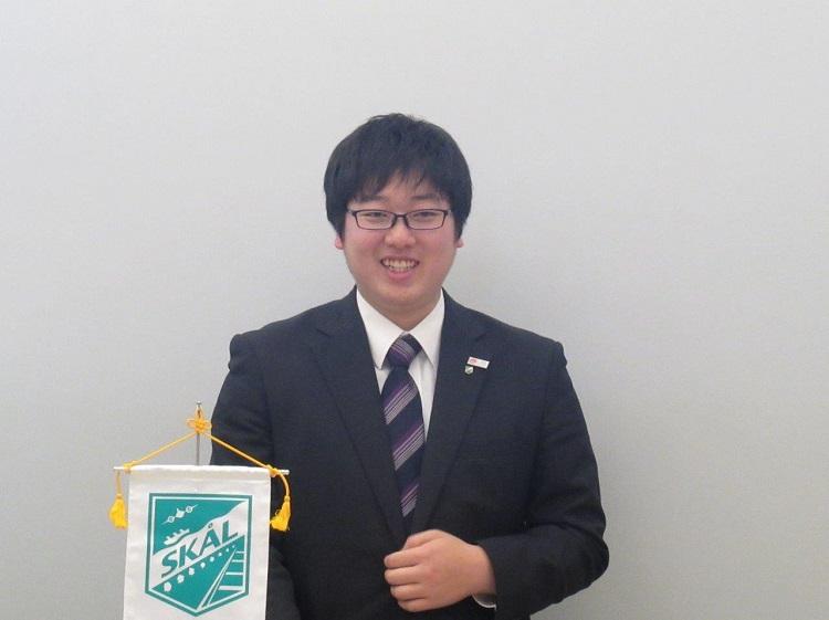 YSCJ代表であいさつする福岡紀元さん