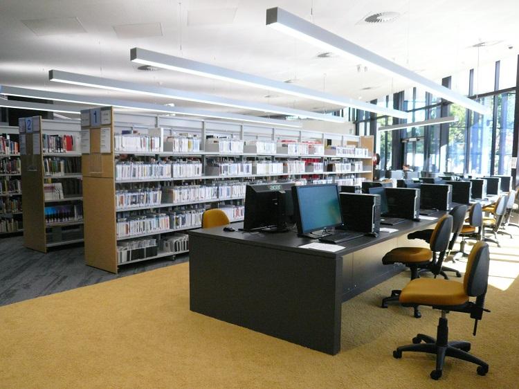 図書館がリニューアルしました