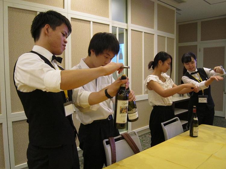 仕事体験!◆レストランサービス ソムリエ体験