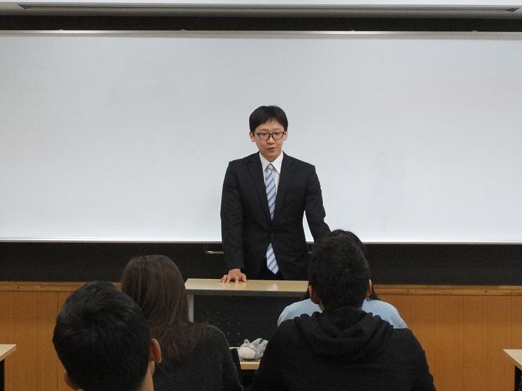 留学生の先輩から、学校生活や就職活動のアドバイス