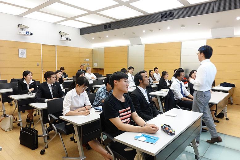 留学生が就職活動する上で大切なポイントは?