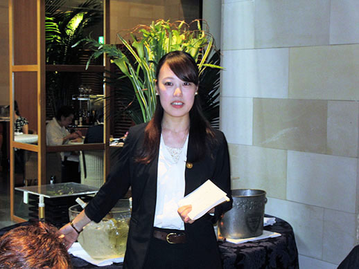ソムリエで、本校で授業も受持つ大塚美咲さん