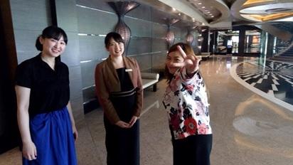 留学先フィリピンの首都マニラのホテルで活躍する卒業生との出会い