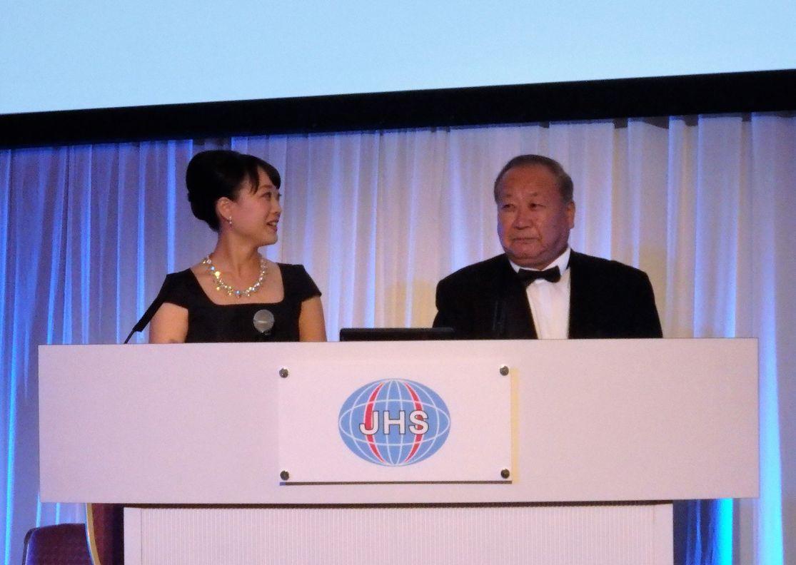 45周年記念式典では川辺先生と一緒に司会を務めました