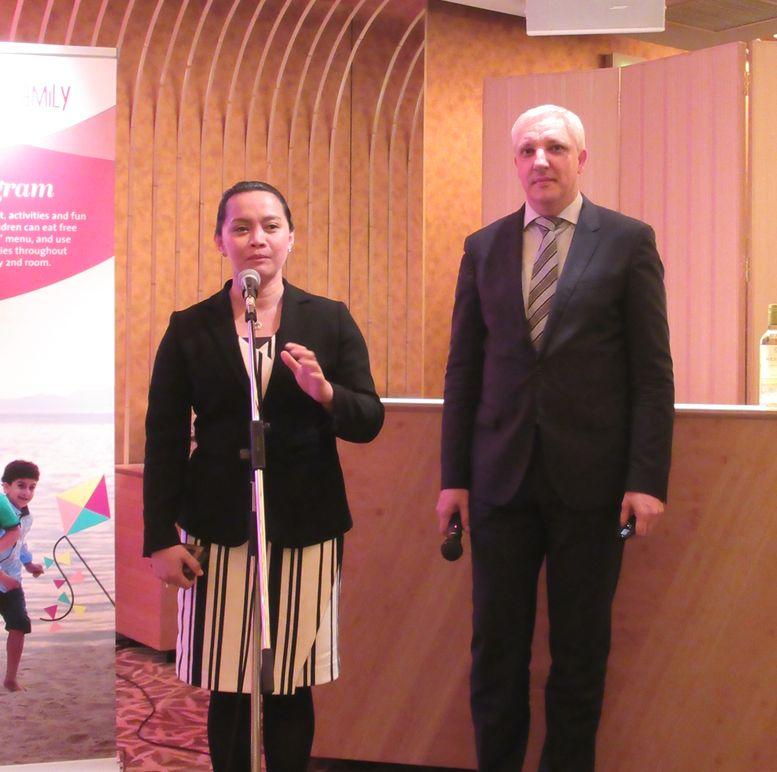モーベンピック ホテルズ&リゾーツ Internatinal Sales Director Japanのメアリー トレンティノ氏とVice Presidnet Sales Asia のホルガー ジェイコブ氏