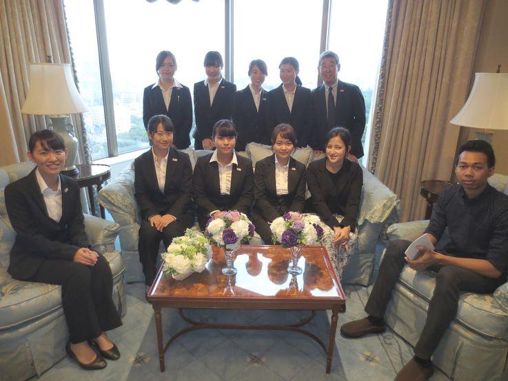 「ホテル椿山荘東京」 見学させて頂いた客室で記念の一枚