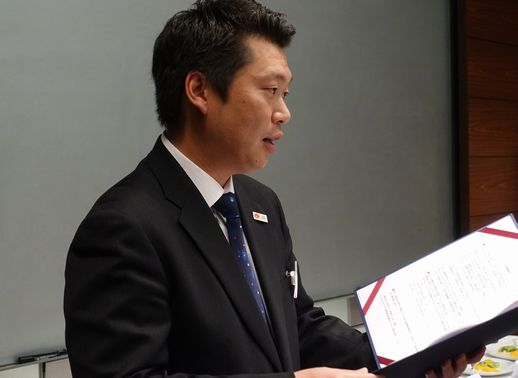 すべての出場者が各々すばらしかったと講評される島田先生。
