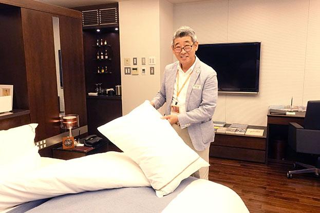 宿泊部門 ベッドメイキング体験・ホテル英会話