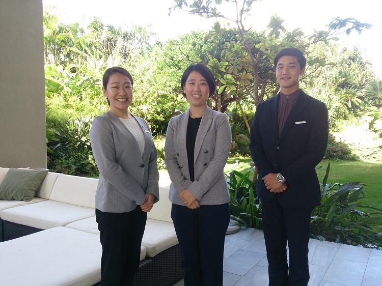 白井さん(左)と藤岡さん(右)は、在学中に海外留学制度も利用しました