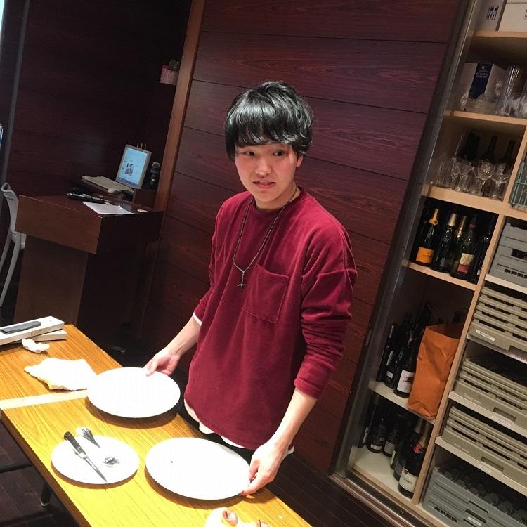 ヤングプロフェッショナル部門出場 パレスホテル東京勤務 小池さん(2016年卒業)