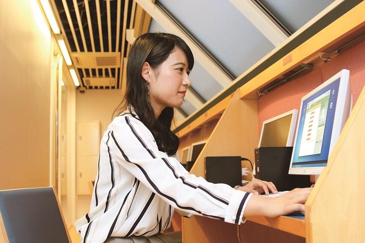 ホテスクの就職支援システム「J-Net」/先輩の就職活動記録を確認できます