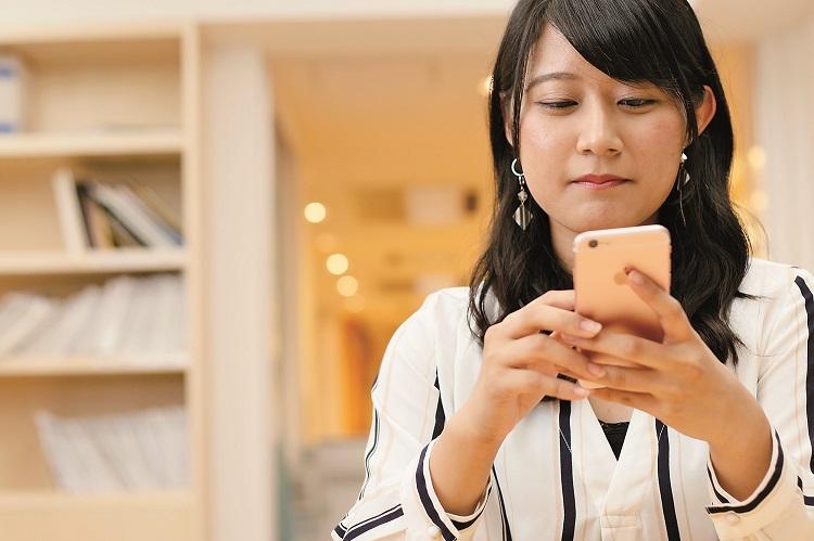 スマートフォンで、いつでもどこからでも必要な情報を閲覧することができます