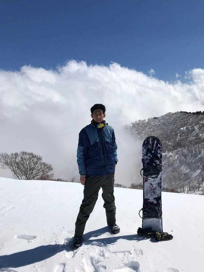 休みの日はスノーボードを楽しみました!