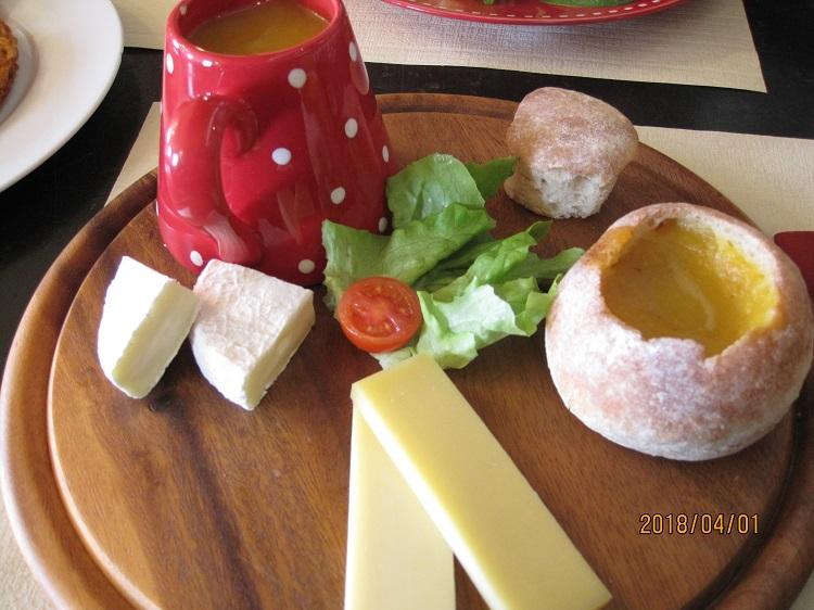 心も身体も温まるスープとチーズ