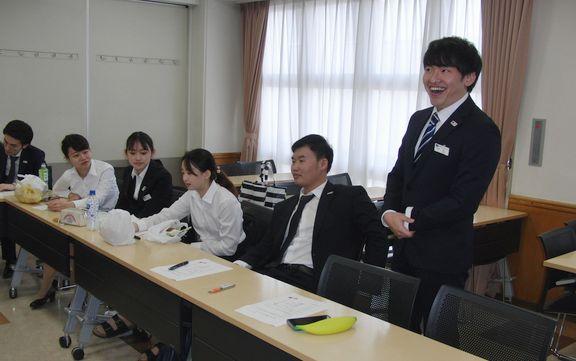 日本語での自己紹介は緊張しますね
