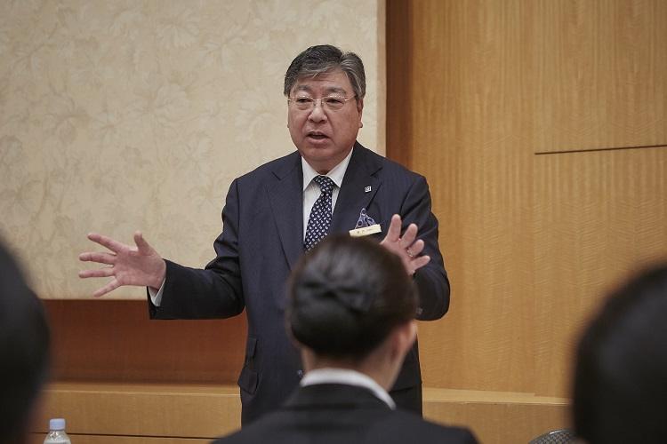 2泊3日の研修を終えて横浜ベイホテル東急 総支配人 陣内一彦様よりお言葉を頂戴しました