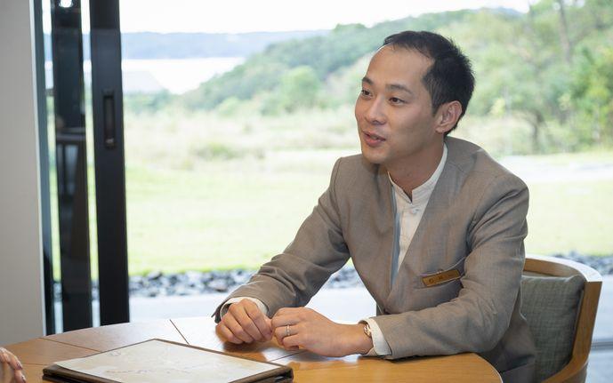 石井さんは2009年卒業後シャングリ・ラに5年勤務。海外勤務の後アマン東京を経て現職。
