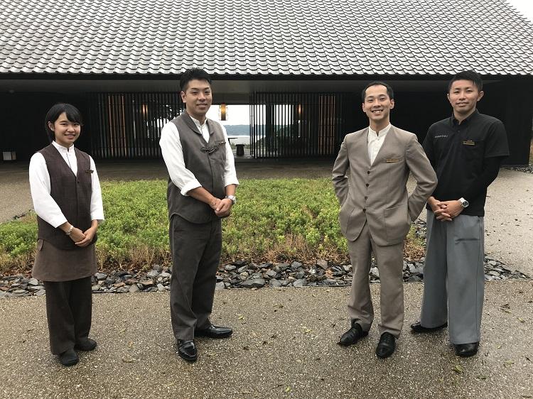 アマネムで活躍中の卒業生(左から、塩田さん、五十嵐さん、石井さん、横山さん)