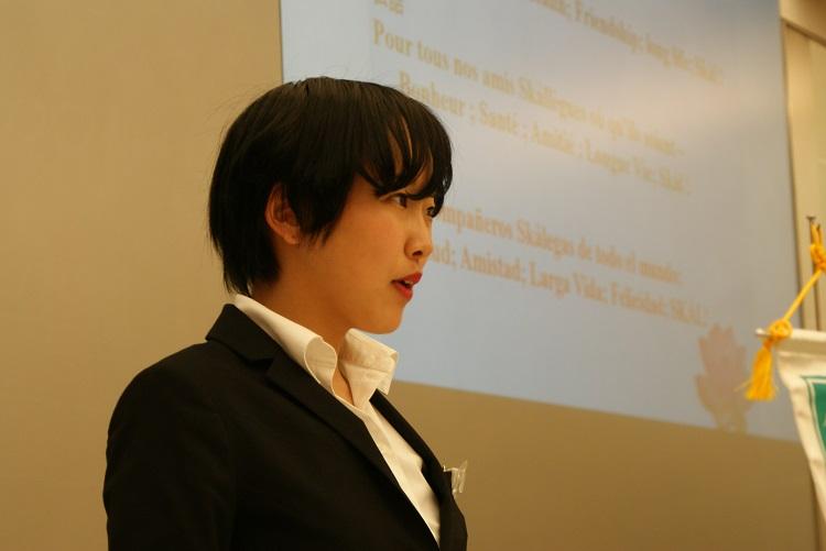YSCJの代表挨拶をする柑谷実咲さん