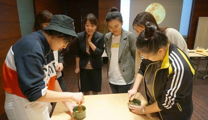 抹茶体験茶せんを使って細かい泡を立てるのがとても難しかったですが、なんとかこちらも完成