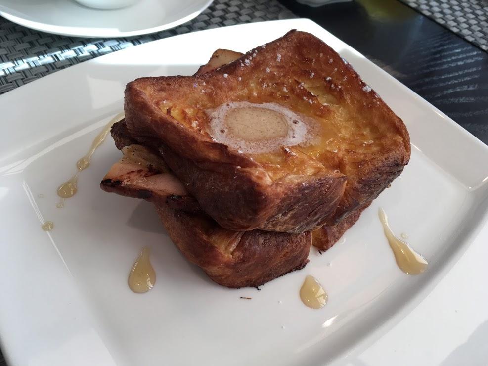 絶品フレンチトースト!バターがしみ込んでおいしい!