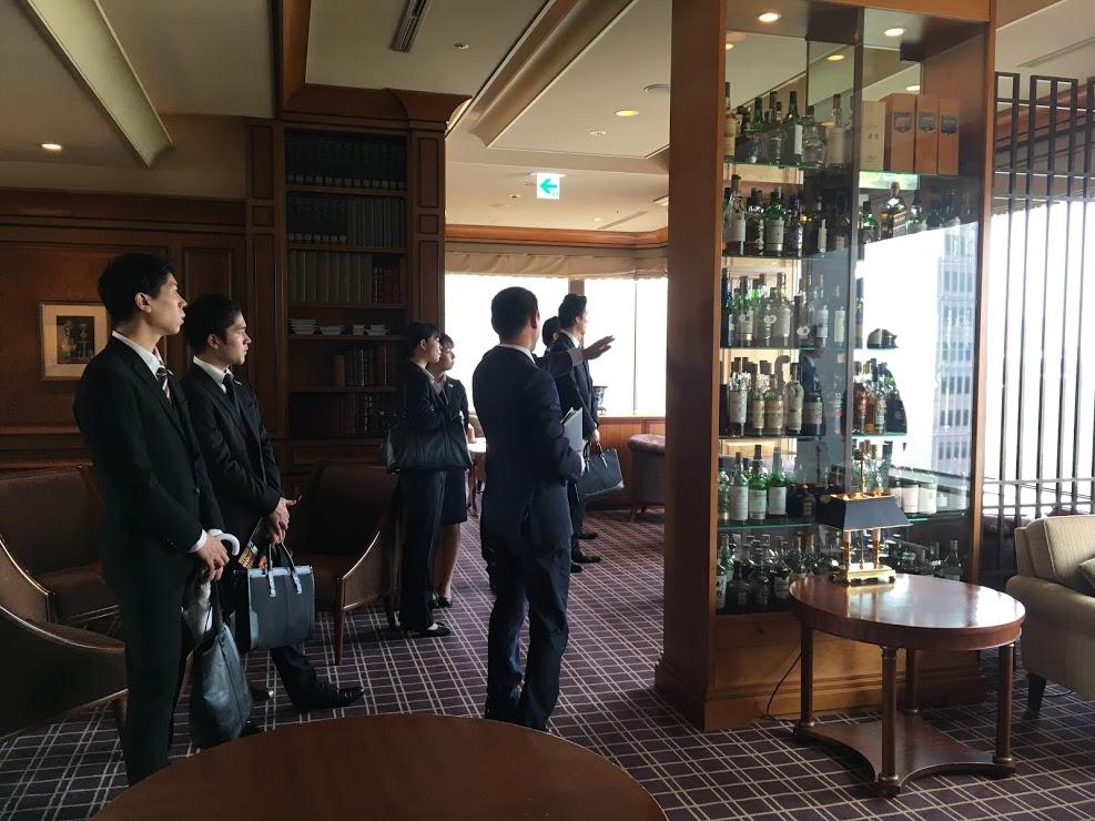 窓から見える景色に、あらためて東京の中心にいると実感