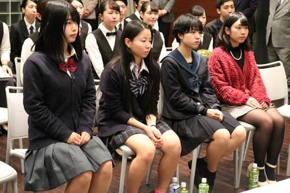 JHS杯を見学した2019年4月入学予定の高校生の皆さん(左から、湯浅さん、金内さん、福元さん、水谷さん)
