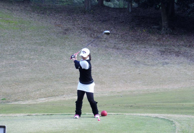 JHSゴルフクラブ会長の乙部 彩佳さん(2009年度卒)