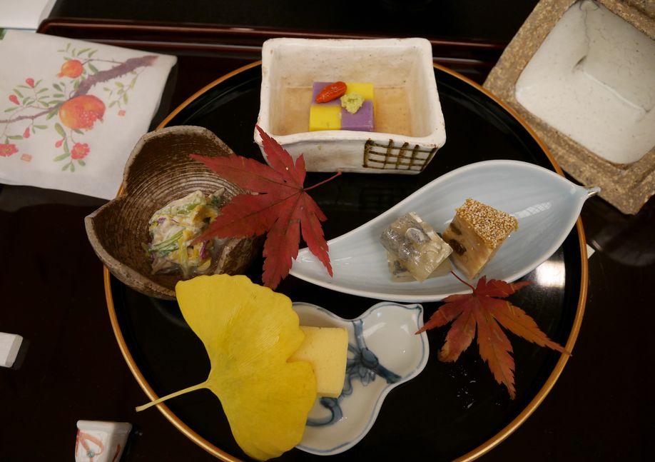 秋の食材にもみじや銀杏の美しい彩り(ホテル椿山荘東京)